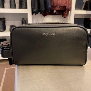 COACH SMALL TRAVEL KIT (QB/BLACK) - ETA (ESTIMATED TIME ARRIVAL) MALAYSIA 26TH OCTOBER