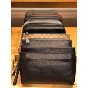 COACH CARRYALL POUCH (BLACK)