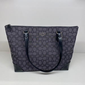 COACH ZIP TOP TOTE IN SIGNATURE JACQUARD (SILVER/BLACK SMOKE/BLACK)
