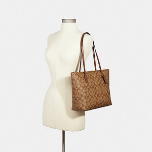 COACH ZIP TOP TOTE IN SIGNATURE CANVAS (IM/KHAKI SADDLE 2)