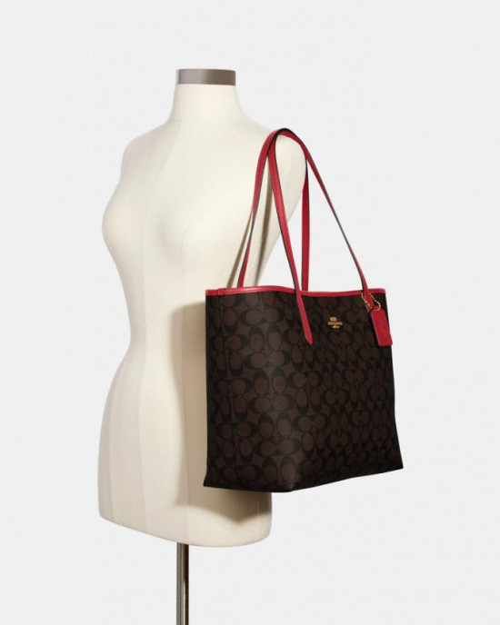 COACH CITY TOTE IN SIGNATURE CANVAS (IM/BROWN 1941 RED)
