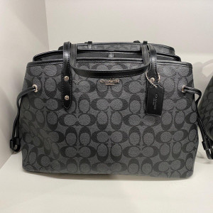 COACH DRAWSTRING CARRYALL IN SIGNATURE (SILVER/BLACK SMOKE/BLACK)