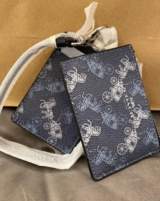 COACH LANYARD SET WITH HORSE AND CARRIAGE PRINT (SILVER/INDIGO PALE BLUE MULTI)