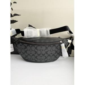 COACH WARREN BELT BAG IN SIGNATURE (QB/CHARCOAL BLACK)