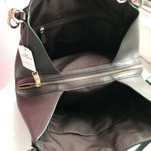 COACH HALLIE SHOULDER BAG (IM/BLACK)