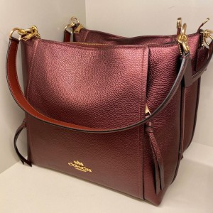 COACH MARLON HOBO (METALLIC WINE)