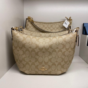 COACH SMALL SKYLAR HOBO (IM/LIGHT KHAKI CHALK) - ETA (ESTIMATED TIME ARRIVAL) MALAYSIA 26TH OCTOBER