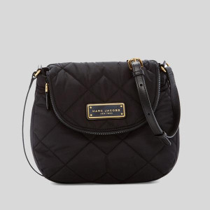MARC JACOBS QUILTED NYLON MINI MESSENGER BAG (BLACK)