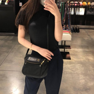PRE ORDER - MARC JACOBS PREPPY NYLON MINI NATASHA CROSSBODY (BLACK)