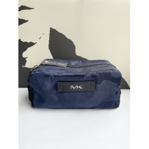 MICHAEL KORS NYLON CAMO TOILETRY KIT (INDIGO)