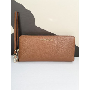 MICHAEL KORS JET SET TRAVEL CONTINENTAL WALLET (LUGGAGE)